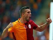 Galatasaraylı oyuncu Podolski sakatlandı