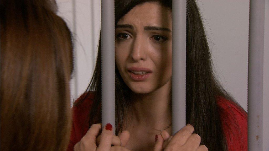 Ayşe, kendini bu zor durumun içinden kurtarabilecek mi?