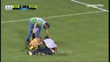 Sakatlık geçiren futbolcuyu sakatladılar!