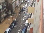 Çöpler sokakta yüzüyor