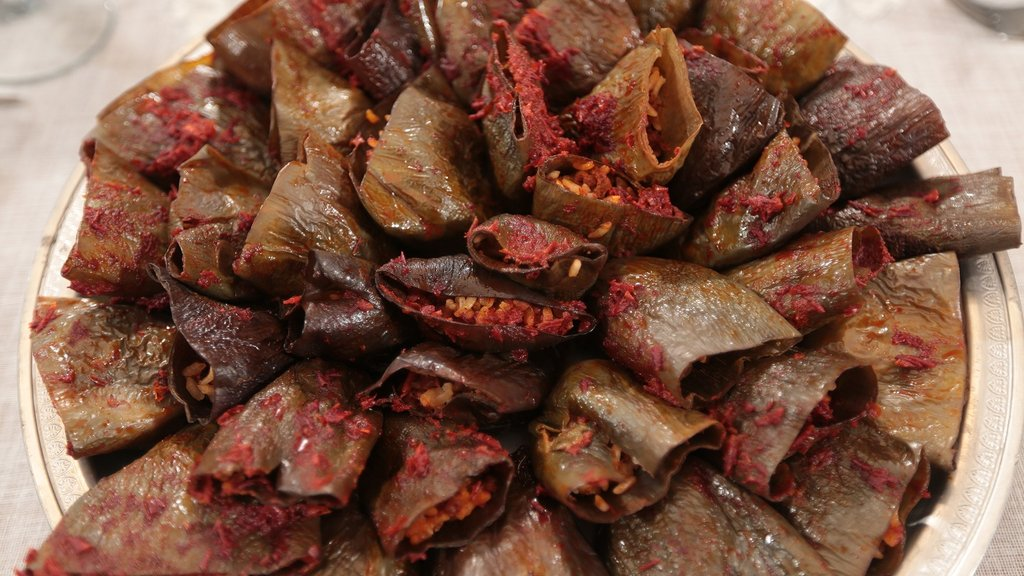 Denizli Mutfağı'ndan Parça Etli Kuru Patlıcan Dolması