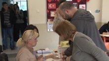 Halit Ergenç oy pusulasında damga krizi