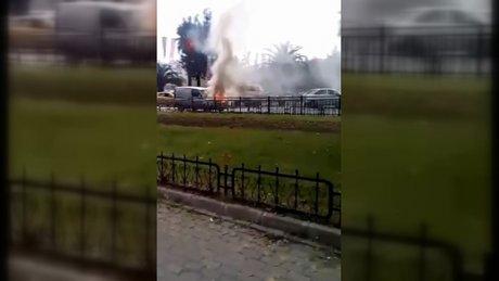 Vatan Caddesi'nde otomobil alev alev yandı