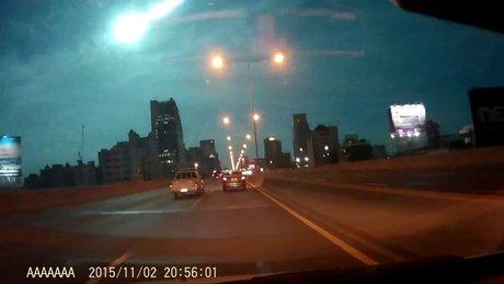 Geceyi aydınlatan meteor