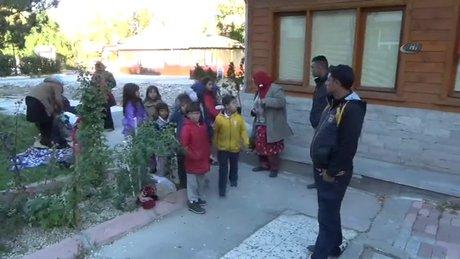 25 gün yürüdükten sonra Türkiye'ye ulaştılar
