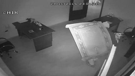 Kaza hırsızları güvenlik kamerasında