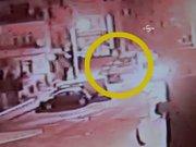 Çaldığı arabayla polisten kaçarken savcının arabasına çarptı