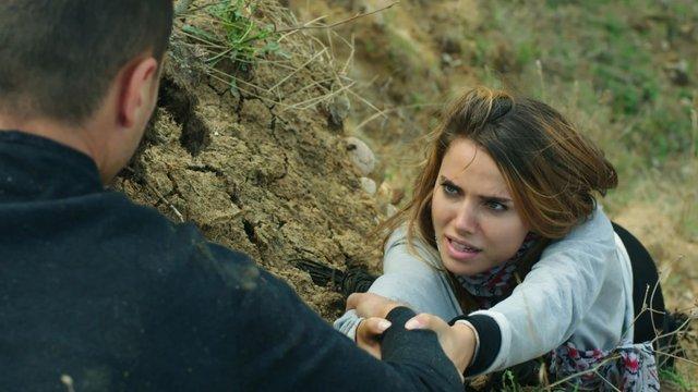Ela'nın hayatı Mert'in elleri arasında!