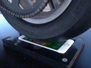 iPhone 6s'in Üzerinde Lastik Yakarsanız Ne Olur?