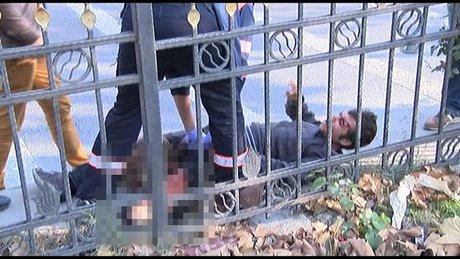 Polisten kaçarken demir bariyerlere saplandı