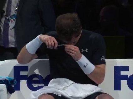 Murray maçta saç kesti!