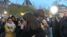 Müslüman gençten Fransızları ağlatan eylem