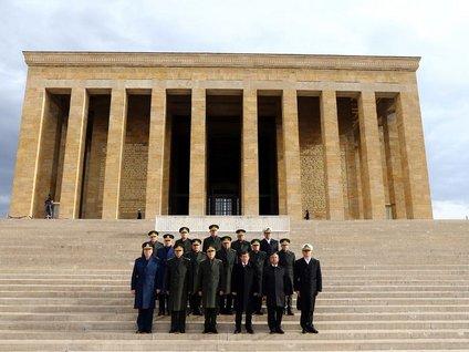 64. Hükümet üyeleri Anıtkabir'i ziyaret etti