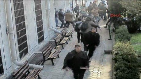 İstanbul Üniversitesi'ndeki kavga güvenlik kamerasında