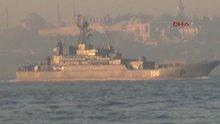 Boğaz'da Rus ve Türk savaş gemisi