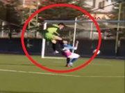 Gole giden futbolcunun çenesini böyle kırdı