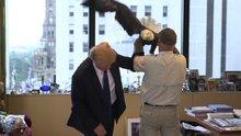 ABD'nin sembolü Donald Trump'a saldırdı
