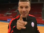 Lukas Podolski meydan okudu