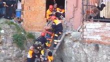 İzmir'de kuyuya düşen adam kurtarıldı