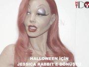 Halloween için Jessica Rabbit'e Dönüştü
