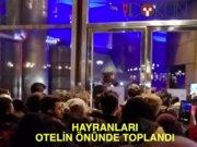 Fahriye Evcen Burak Özçivit Viyana'da hayranlarına yakalandı