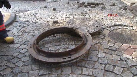 70 kiloluk logar kapağı 8 metre fırladı