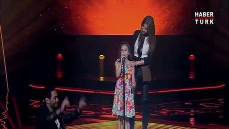 Suriyeli kızın ağlatan şarkısı