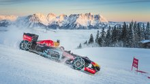 F1 aracı ile karda müthiş gösteri