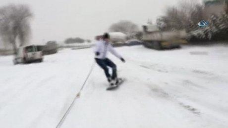 Oto sanayide snowboard