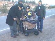 Savaşta iki bacağını kaybeden Türkmen gence akülü araç
