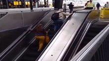 Yürüyen merdiven komedisi