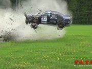 Ralli pisti araçları pert etti