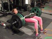 Kate Upton'ın halter ile güç gösterisi