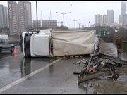 Tem'de kamyon kazası!