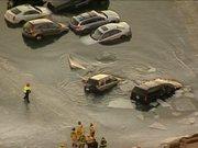20 araç donmuş gölde mahsur kaldı