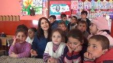 Bitlis Köy öğretmenin öğrencileri ile çektiği video büyük ilgi gördü
