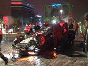 İzmir-Otomobil takla attı, Sunroofa başı sıkışan kadın öldü