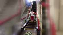 Engellilere özel yürüyen merdiven