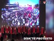 Disk'te protesto, Bakan Avcı salonu terk etti