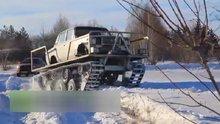 Kırk yıllık otomobilinden tank yaptı