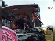 İzmir'de feci kazada tankerin şoförü öldü