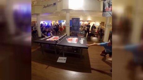 Böyle masa tenisi görmediniz