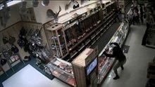 Silah dükkanını böyle soydular