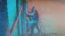 Tüfekle kahvehane baskını kamerada