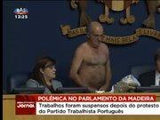 Portekizli vekil Parlamento'da soyundu