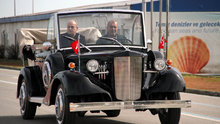 Atatürk'ün makam aracının benzerini yaptı
