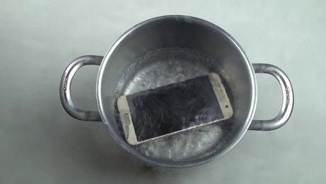 Akıllı telefona sıvı azot dökülürse ne olur?