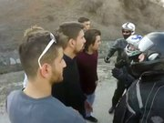 Sarhoş sürücü motosikletçilere zor anlar yaşattı