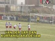 45'lik Van Der Sar penaltıyı çıkardı
