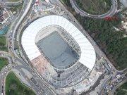 Vodafone Arena çatısı kapanmaya başladı